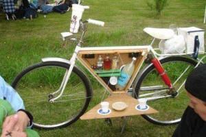 igy_kell_megerkezni_a_piknikre
